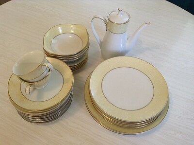Noritake Annulaire dinner set - excellent condition! Conservative-retro 80s chic