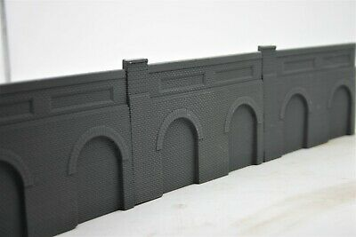 5 X Detailed Model Railway Retaining Wall With Aches For HO / OO Gray