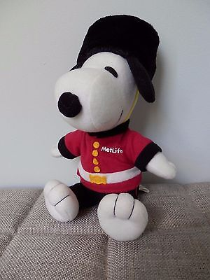 METLIFE Collectible Peanuts Snoopy Soft Toy Royal British Guardsman Promotional