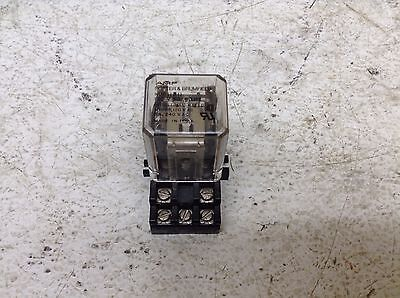 Potter & Brumfield KUP11A11 Pilot Cube Relay 120 VAC Coil w/ Base