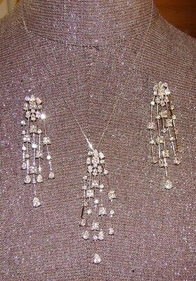 """Beautiful! Festive .925 sterling silver necklace and earrings set """"18"""