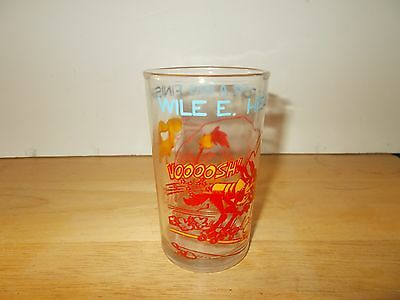 1974 Warner Brothers Wile E. And Road Runner Glass