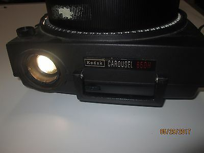 Vintage KODAK Carousel 650H Slide Projector Tested With Wired Remote