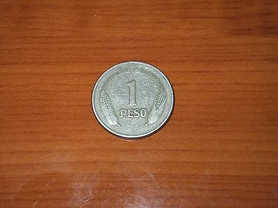 1975 One (1) Peso Coin Colombia.
