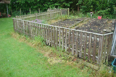Wood picket fencing 40 ft