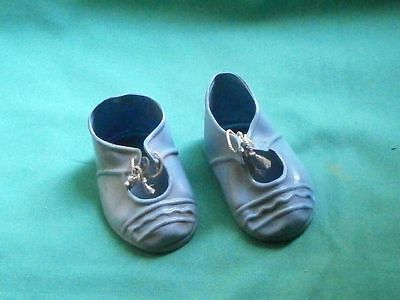Puppenschuhe hellblau Kunststoff 7,5 cm/pair of doll shoes light blue plastic
