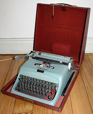 "Olivetti ""Studio 44"" Typewriter With Case Made In Italy Early 1950s Working"