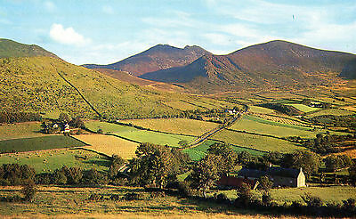 MOURNE MOUNTAINS CO. DOWN IRELAND IRISH POSTCARD by RANSCOMBE No. NI23