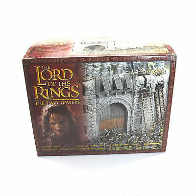 LOTR The two Towers Helm's Deep Fortress Scenery Castle #1 Games Workshop