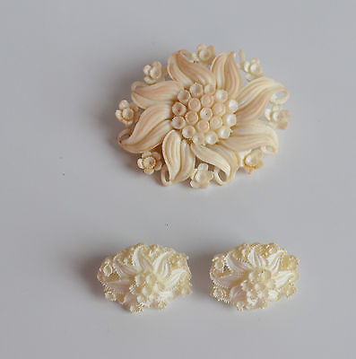 large Art Deco Deep Molded cream Celluloid brooch pin & earrings Floral Design