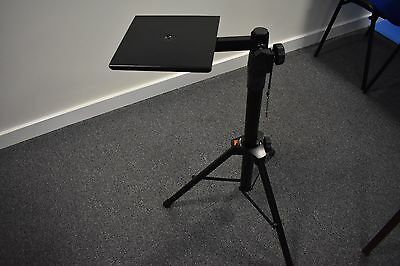 Solid, sturdy, heavy portable collapsible computer projector stand