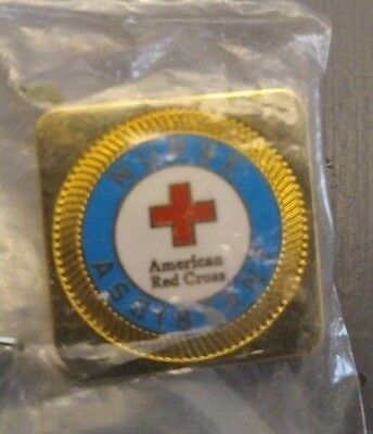 NEW AMERICAN RED CROSS CNA NURSE ASSISTANT PIN PINBACK Gold Tone