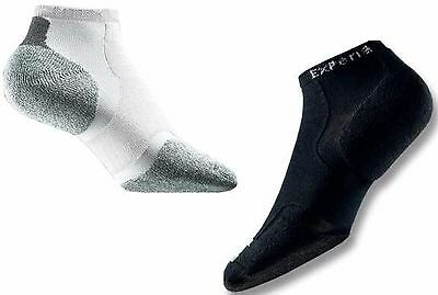 4 pair of Thorlo EXPERIA xccu BLACK and/or WHITE running / walking socks Unisex