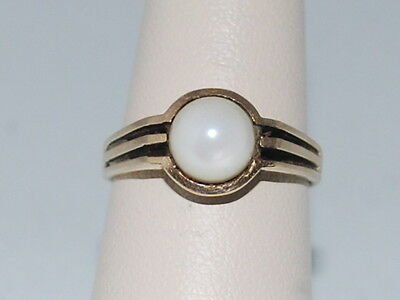 10k Gold ring with a Pearl(June Birthstone)