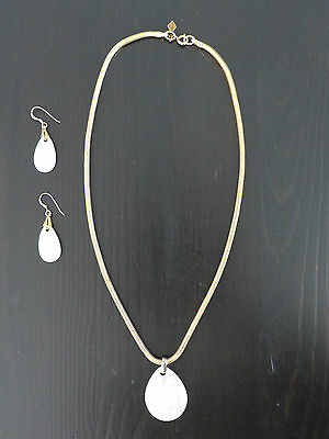 Sarah Coventry 3 pcs demi parure necklace + earrings Mother of pearl NICE!