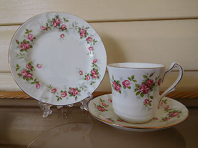 """Aynsley """"Grotto Rose"""" Trio Made In England"""