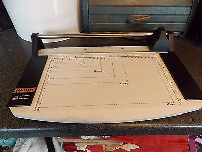 Challenge paper cutter cuts A4 10 sheets at a time