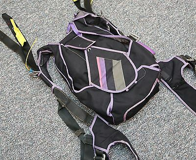 """Atom skydiving parachute container for 5'2""""-5'5"""""""