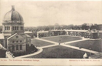 Old Postcard - Quadrangle - Haileybury College - Hertford - Hertfordshire C.1918