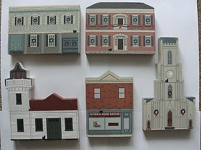 The Cats Meow Holiday Wood Village signed Faline 1994 - 5 pieces (lot 1)