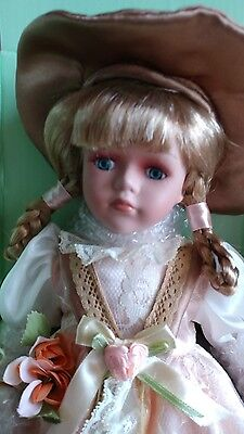 CISSY Seymour Mann Connoisseur Collection Porcelain Dolls  Doll With Stand NIB