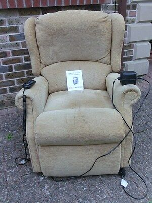 *Celebrity Cosi Chairs Fabric Electric Rising Recliner Mobility Chair*
