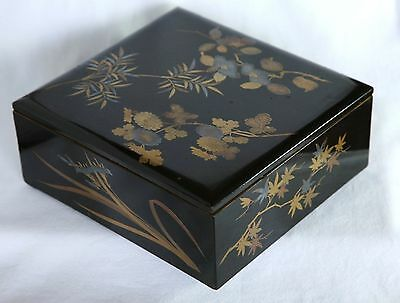Japanese Old Lacquer Ware Wood Box with Lid Makie Flower Black Red Gold