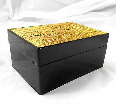 Vintage Japanese GOLD TOP LACQUER BOX 3D Carved Embossed Gold Lid & Gold Flecks