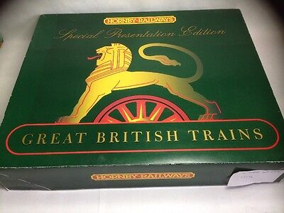 Hornby R2044 4-6-0 Loco 'Liverpool' & coaches Limited Edition Train Pack