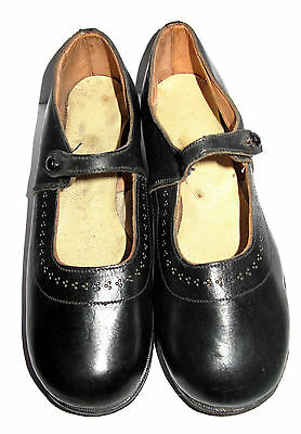 Genuine vintage CC41 girls' bar shoes black leather excellent condition