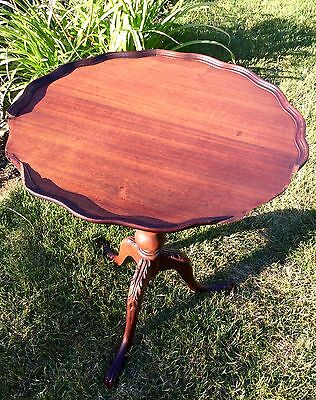 Vintage English Duncan Style Solid Mahogany Round 3 Carved Leg Side End Table
