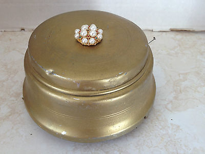 Vintage Gold Color Round Metal Powder Puff Music Box Working