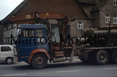 Truck Photo - Lkw Foto Henschel Frontlenker mit Ladekran - Holztransport /1340