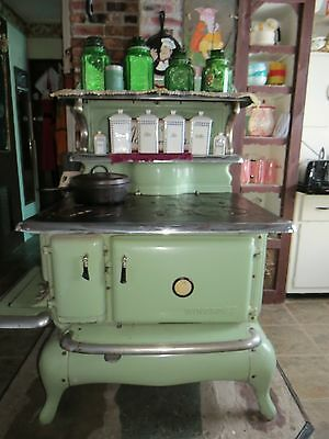 Antique Green Enamel WINCROFT Kerosene Kitchen Stove Decorative Works Plus Extra