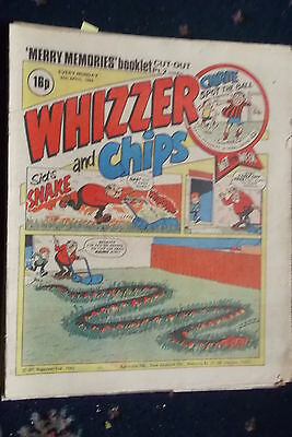 Whizzer And Chips Comic. ****24Th Apr 1982***merry Memories Booklet Intact.....