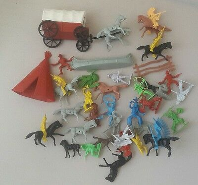 plastic cowboys and indians lot - cowboys and Indian toys