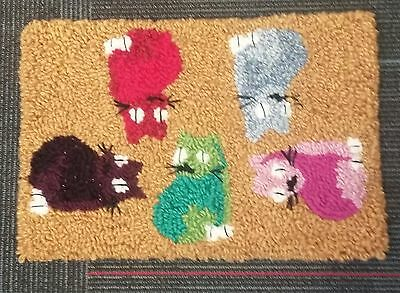 """Rug Hooking Pattern CONFETTI CATS on  Red Dot Fabric 12.5"""" x 18"""""""