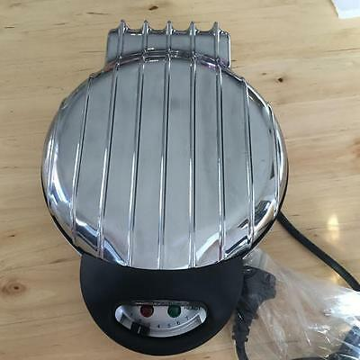 Waffle Maker Round Gourmet Heart Shaped  Silver New