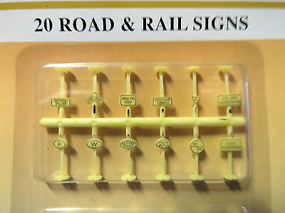 MODEL POWER N scale ROAD AND RAIL SIGNS x 20 in pack #1312 New on card