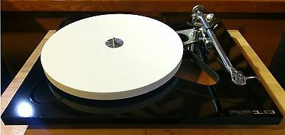 Rega RP10 Turntable Gloss Black without Cartridge (Pre-Owned)