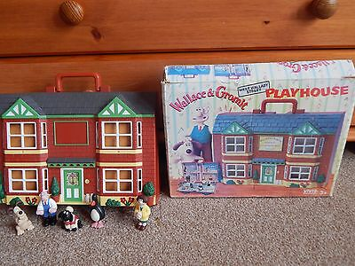 Wallace and Gromit Playhouse Playset - West WALLABY STREET & FIGURES - 1989!!!