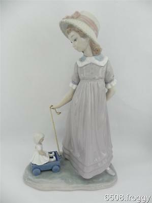 Retired  ADORABLE Lladro *GIRL WITH TOY WAGON* #5044 Excellent Condition