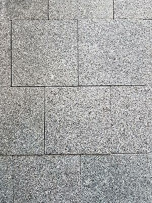 Premium Real Granite Driveway Setts Mid Grey (Dark Grey) - 9m2 Per Pack