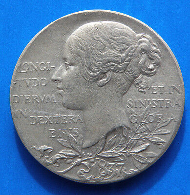 Great Britain 1837-1897 Queen Victoria Diamond Jubilee Silver Medallion .