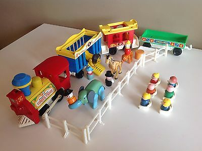 Vtg Fisher Price little people MATCHING LOT: 1973 Circus train #991, Fences & +