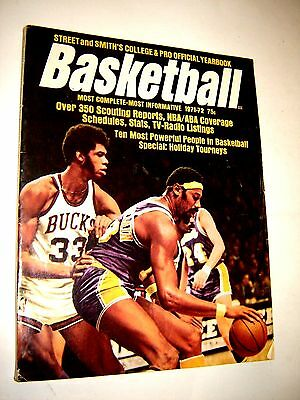 Street and Smith's Basketball 1971-1972 Official Yearbook - Kareem Abdul-Jabbar