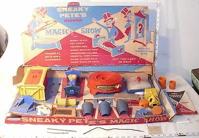 REMCO SNEAKY PETE'S MASTER DELUXE MAGIC SHOW PLAYSET BOXED 1960s