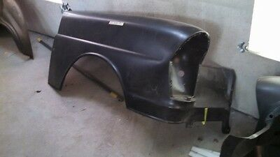 Mercedes Benz W112.014,015 W111 1118800218 right front fender sedans.