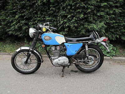 BSA B25 Starfire 1968 399th one ever made 100% original BARN FIND  *A MUST SEE*