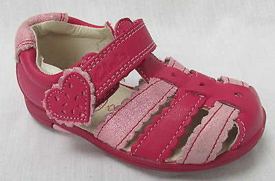 BNIB Clarks Girls Softly Palm Pink Leather First Sandals F Fitting